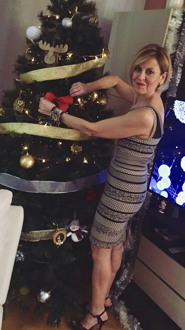 gracia-g-celebra-navidad-con-vestido-rc