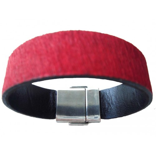 Bracelet in red pony skin leather