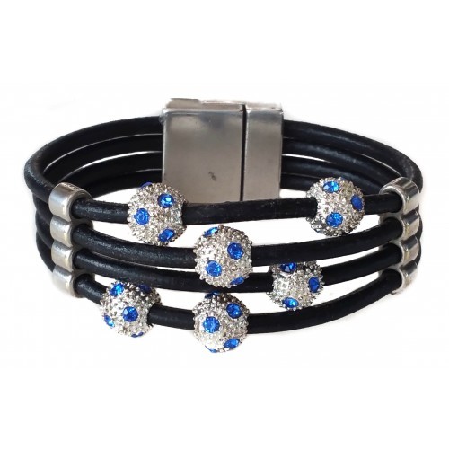 Bracelet in leather with 4 strips and stras balls