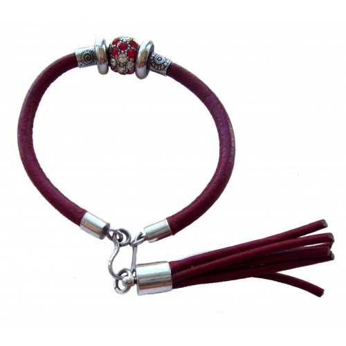 Bracelet in red leather with stras centerpiece and hanging tassel