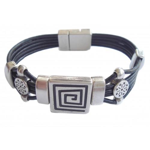 Bracelet unisex leather labyrinth ornament