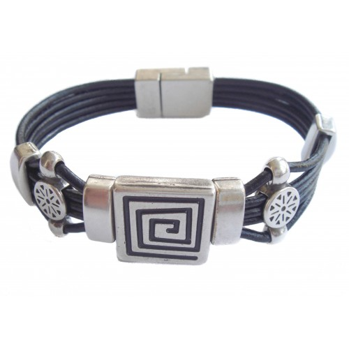 Bracelet unisex leather labyrinth ornament