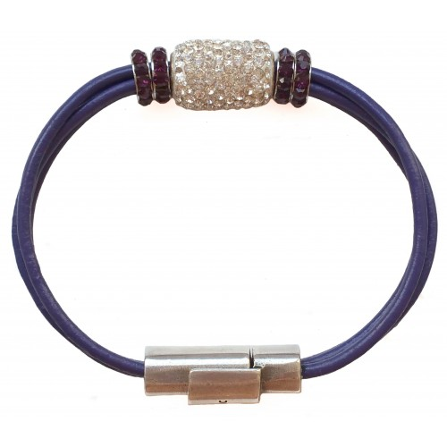 Bracelet in leather with elongated silver and fine crystal centerpiece