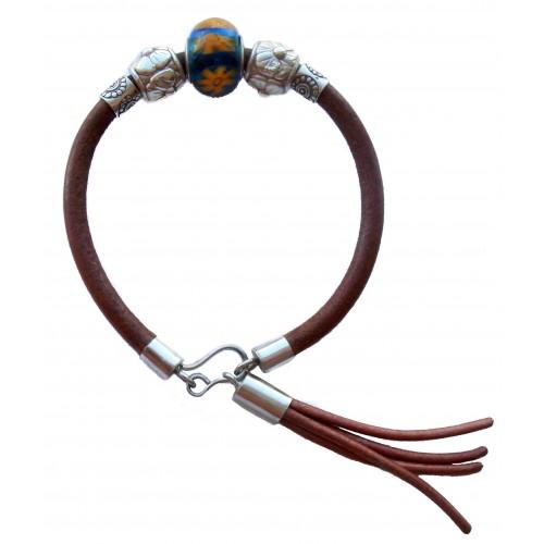 Pulsera cuero camel con central de cristal de murano flor