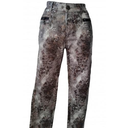 Pantalones elásticos de manchas marrones