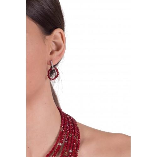 Pendientes círculo colgante cristal rojo en plata y circonitas