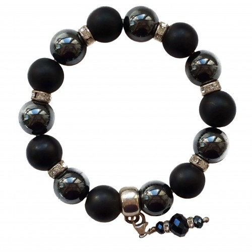 Bracelet in Onyx matte and hematite 12 mm with pendant charm