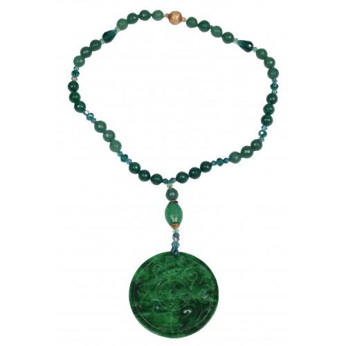 Collar medallón de Jade verde y cierre magnetico de plata dorada