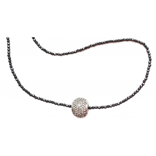 Necklace with black hematite chain and central fine crystal