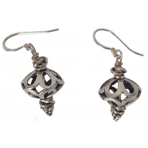Earrings in silver openwork