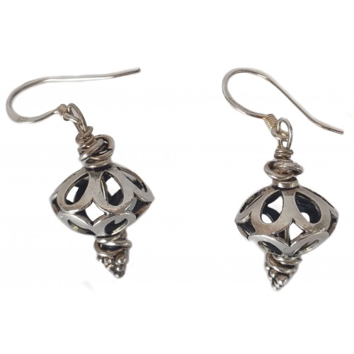 Earrings in silver openwork