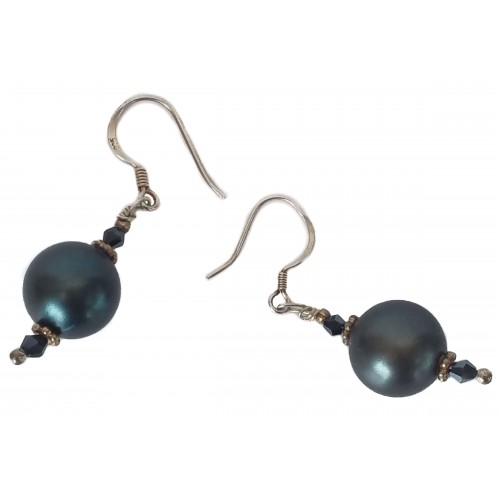 Earrings in silver with gray pearl and black tupi