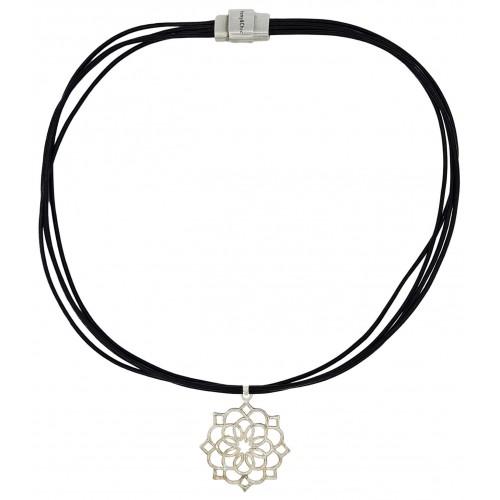 Collar de cuero y colgante flor de plata de ley